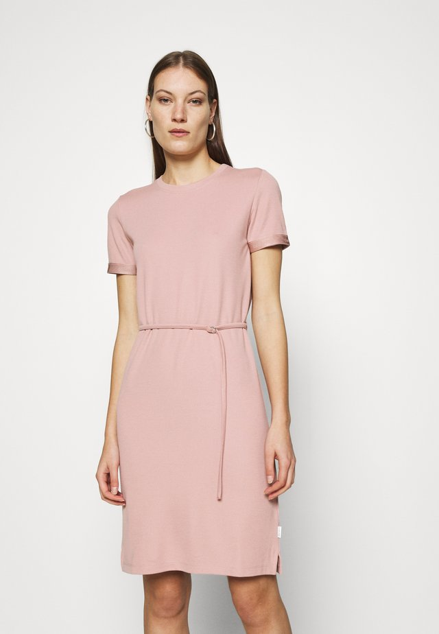 SHORT LOGO TEE DRESS - Jerseyjurk - muted pink