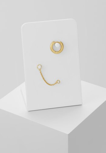 DOUBLE STUD CHAIN & HOOP EAR PARTY 2 PACK