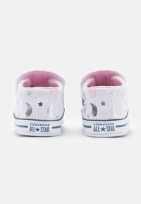 Converse - CHUCK TAYLOR CRIBSTER - First shoes - white/pink/silver - 2