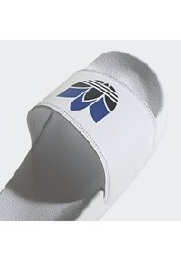 adidas Originals - ADILETTE SPORTS INSPIRED SLIDES - Slip-ins - ftwwht/cblack/royblu - 4