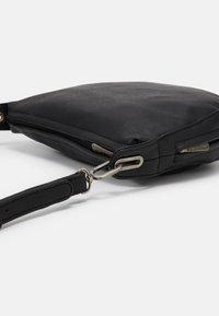 Fritzi aus Preußen - NORIE - Across body bag - black - 3