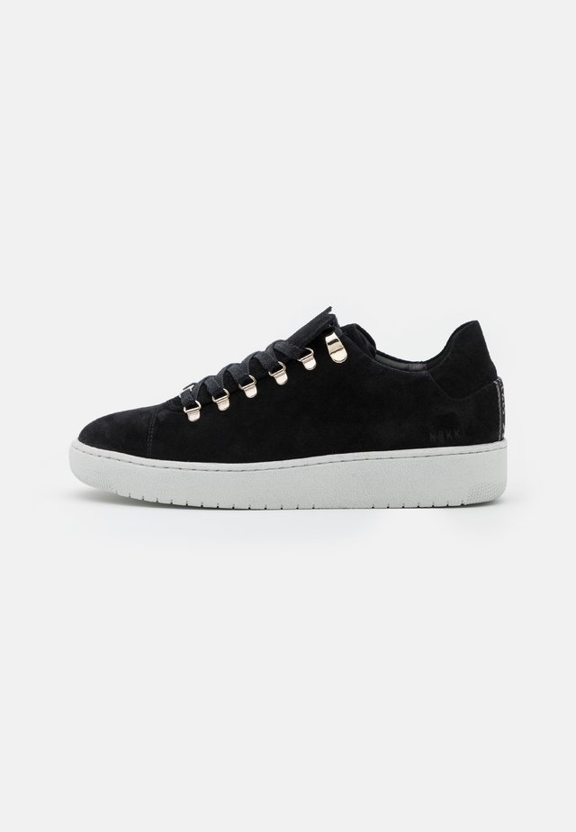 YEYE FRESH - Baskets basses - black