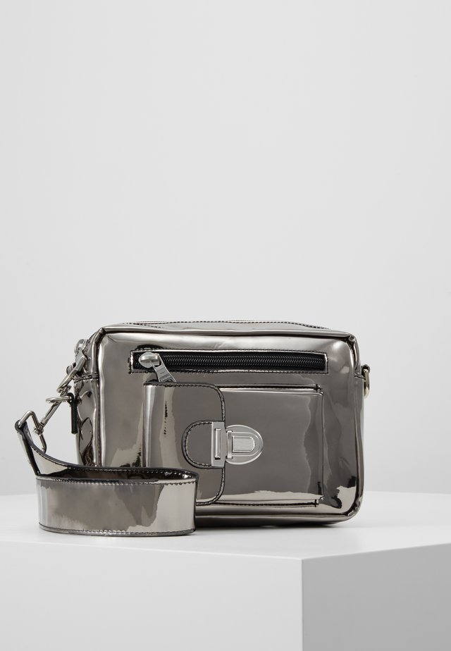 ATHEN  - Bum bag - silver metallic