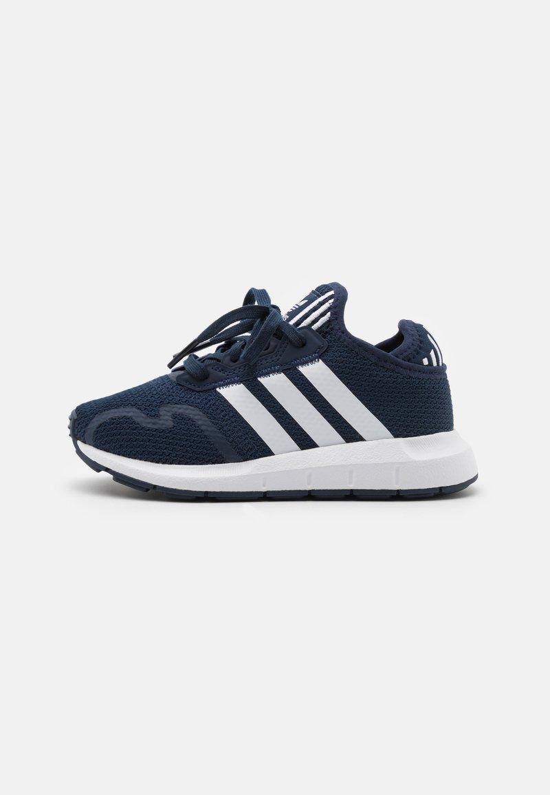 adidas Originals - SWIFT RUN X SHOES - Zapatillas - collegiate navy/footwear white/core black