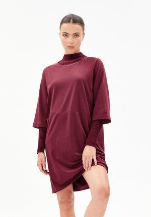 AASLI - Jersey dress - ruby red