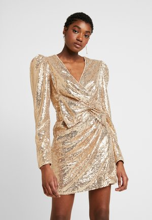 PUFFY POWER SEQUIN DRESS - Sukienka koktajlowa - gold