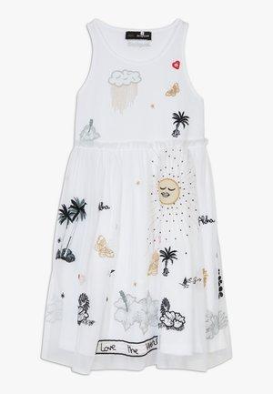 TUXTLA - Žerzejové šaty - blanco