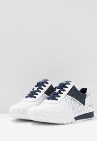MICHAEL Michael Kors - ALLIE TRAINER - Sneakers laag - admiral - 4