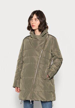 IMBOTTITO OVATTA LUNGO - Winter coat - verdone