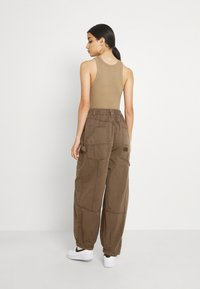 BDG Urban Outfitters - BAGGY PANT - Trousers - chocolate - 2