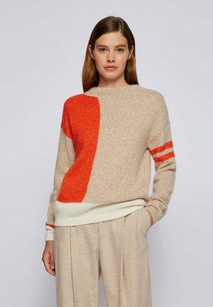 C FUANA - Jumper - orange/beige