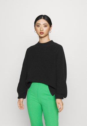 SLFLESLIE O NECK - Pullover - black