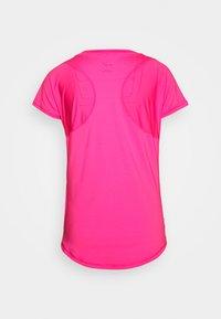 Puma - TRAIN FAVORITE TEE REGULAR FIT - T-Shirt basic - pink - 1