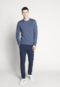 Tommy Hilfiger - CREW NECK - Maglione - blue - 1