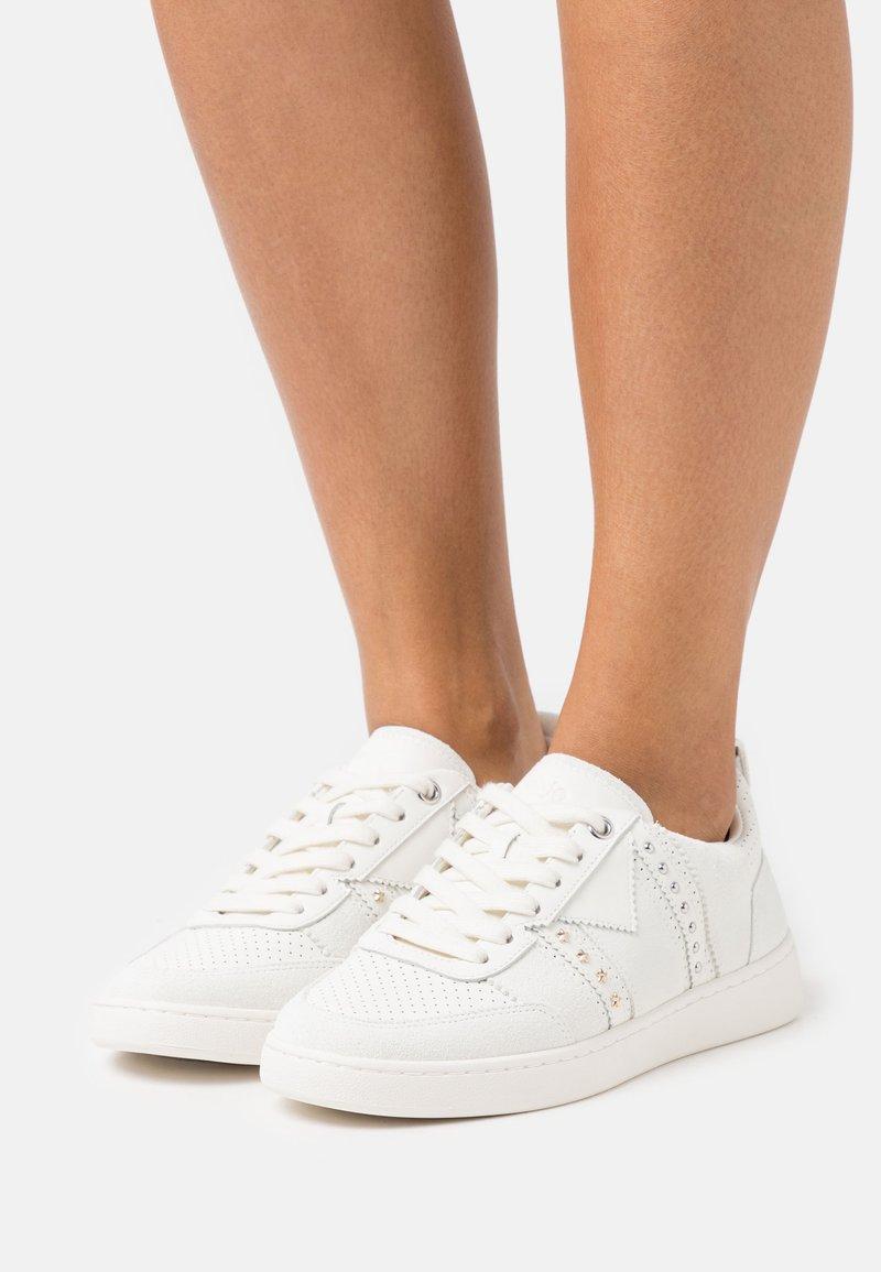 maje - 120FURIOUS - Sneakersy niskie - blanc