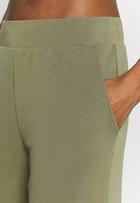 Even&Odd active - Tracksuit bottoms - olive - 4