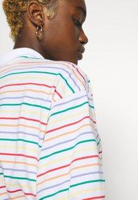 Nike Sportswear - RETRO FEMME - Polo shirt - white - 5