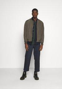 Burton Menswear London - CORE MILITARY - Bomber Jacket - green - 1