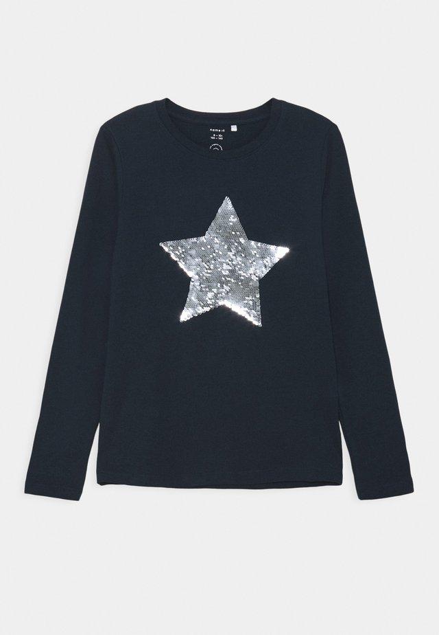 NKFNISTAR - T-shirt med print - dark sapphire