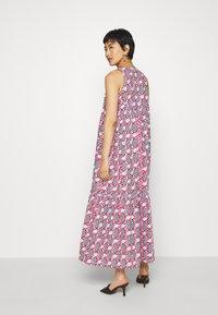 Résumé - ULRIKKE - Maxi šaty - pink - 2