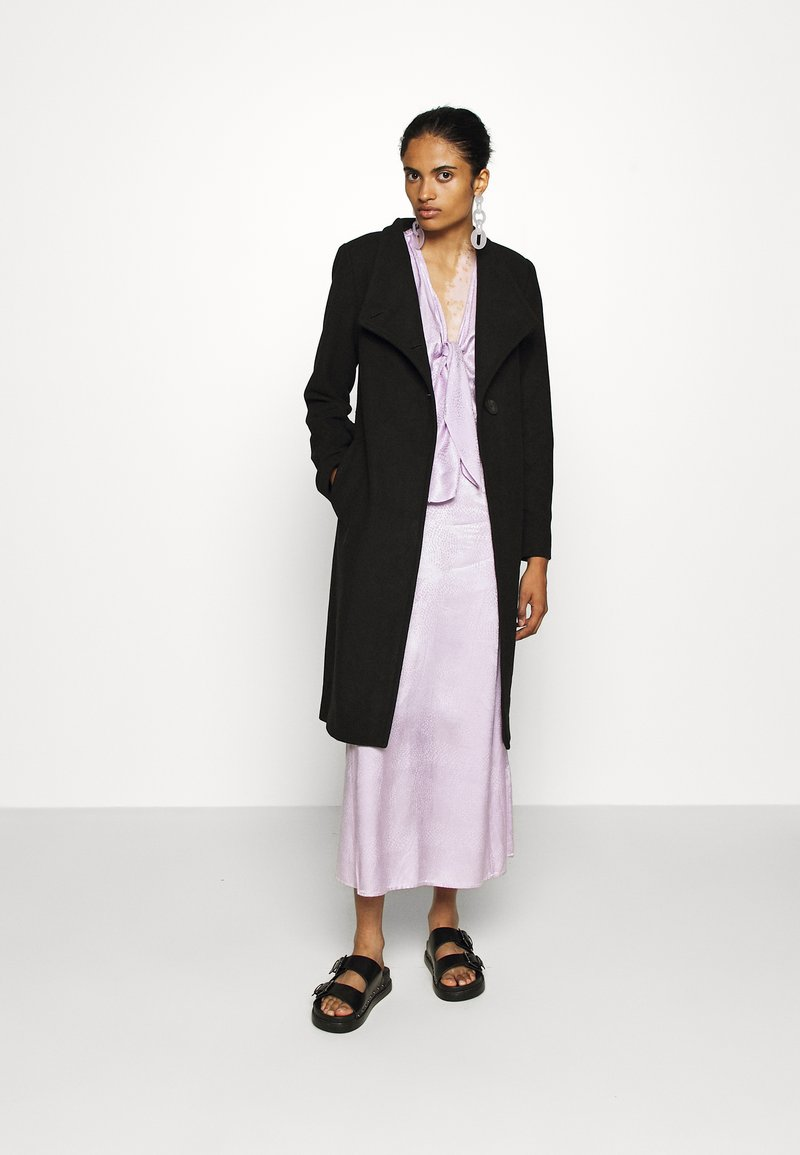 ONLY - ONLLIVA COAT - Kåpe / frakk - black
