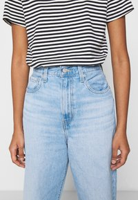 Levi's® - HIGH LOOSE TAPER - Jeans relaxed fit - near sighted tencel - 4