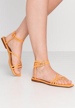 IVY - Sandals - iceland poppy