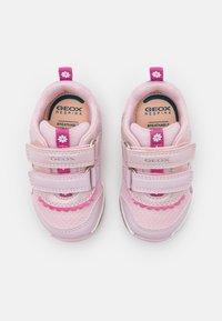 Geox - TODO GIRL - Tenisky - pink - 3