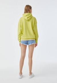 PULL&BEAR - Hoodie - yellow - 2