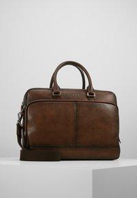 Bugatti - BRIEFBAG LARGE - Briefcase - brown - 0