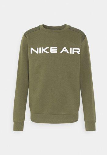 AIR CREW - Sweatshirt - medium olive/cargo khaki/white