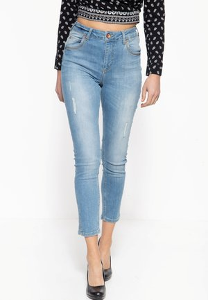 MIT CAPRI-SCHLITZEN SUN - Slim fit jeans - hellblau