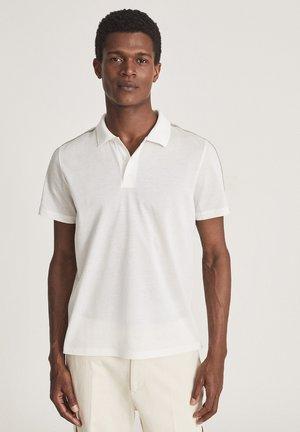 KENDAL - Polo shirt - white