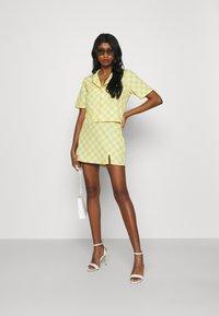 Glamorous - MAYA CARE FLORAL PRINTED MINI SKIRT - Mini skirt - green checkboard - 1