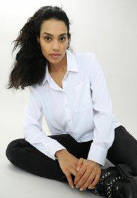 Pimkie - Button-down blouse - weiß - 3