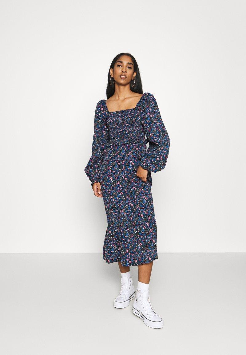 Missguided - FRILL SHIRRED MILKMAID MIDI DRESS - Maxi dress - blue
