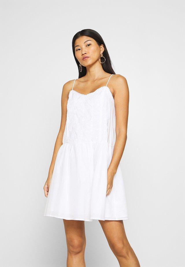 Korte jurk - fresh white