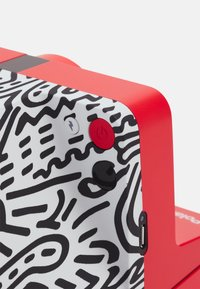 Polaroid - KEITH HARING UNISEX - Tech accessory - red - 4
