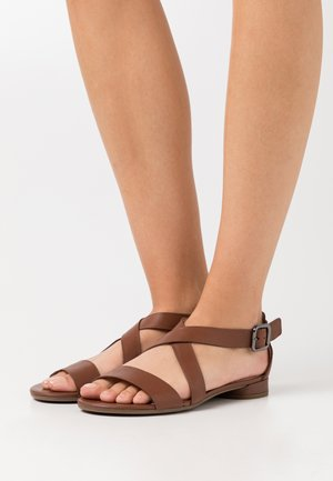 FLAT - Sandals - cinnamon