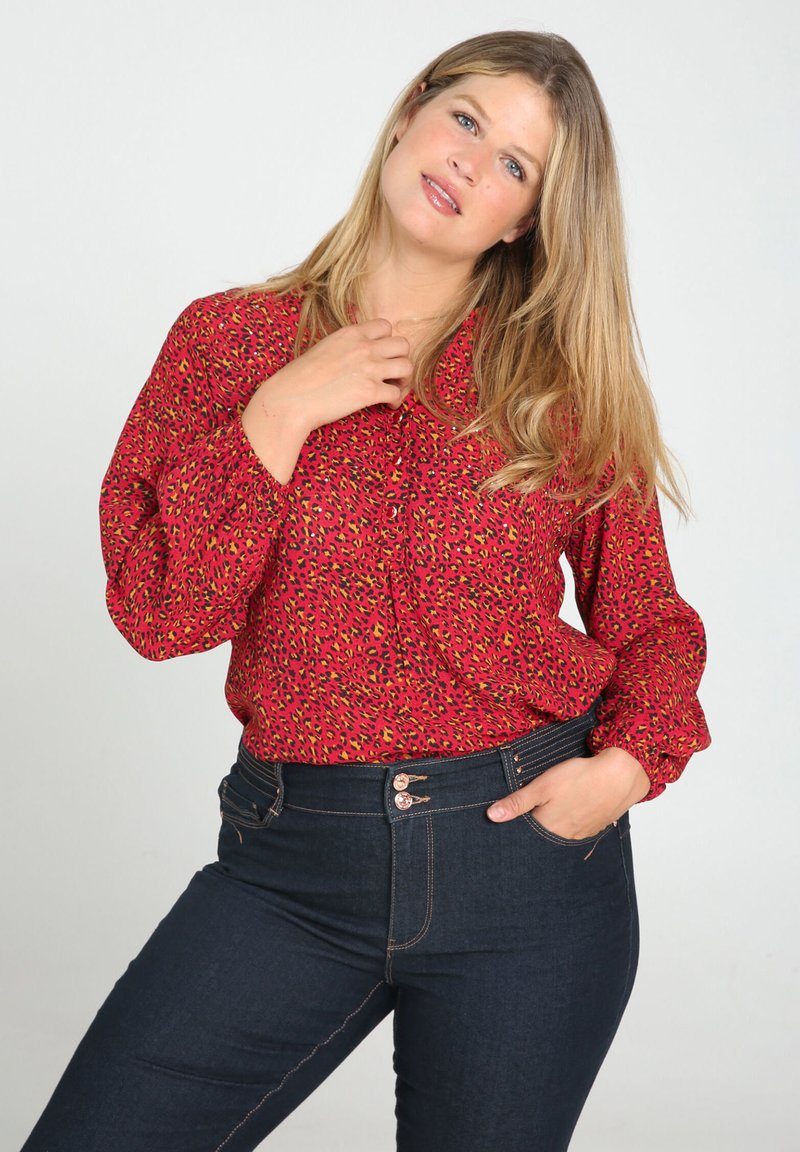Paprika - MIT TIERFELL-DRUCK - Blouse - red