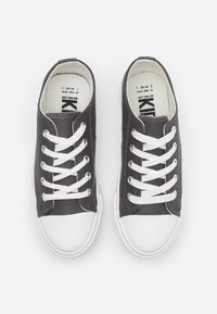 Cotton On - CLASSIC TRAINER LACE UP - Trainers - grey - 3