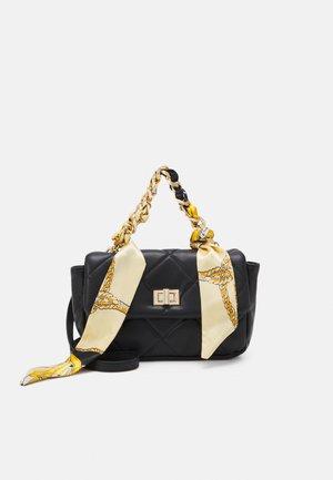 PCFILIPPA KEY - Handbag - black