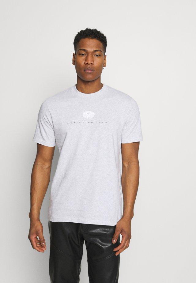 DATA - T-shirt print - ash heather
