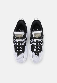 Jordan - ONE TAKE II - Basketball shoes - white/black/wolf grey - 3