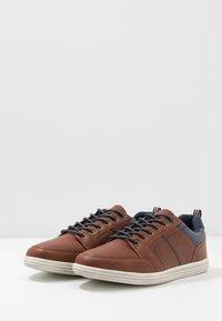 Pier One - Sneakers laag - cognac - 2