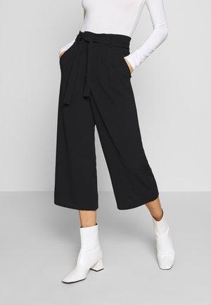 JDYTANJA CULOTTE ANKLE PANT - Pantalon classique - black