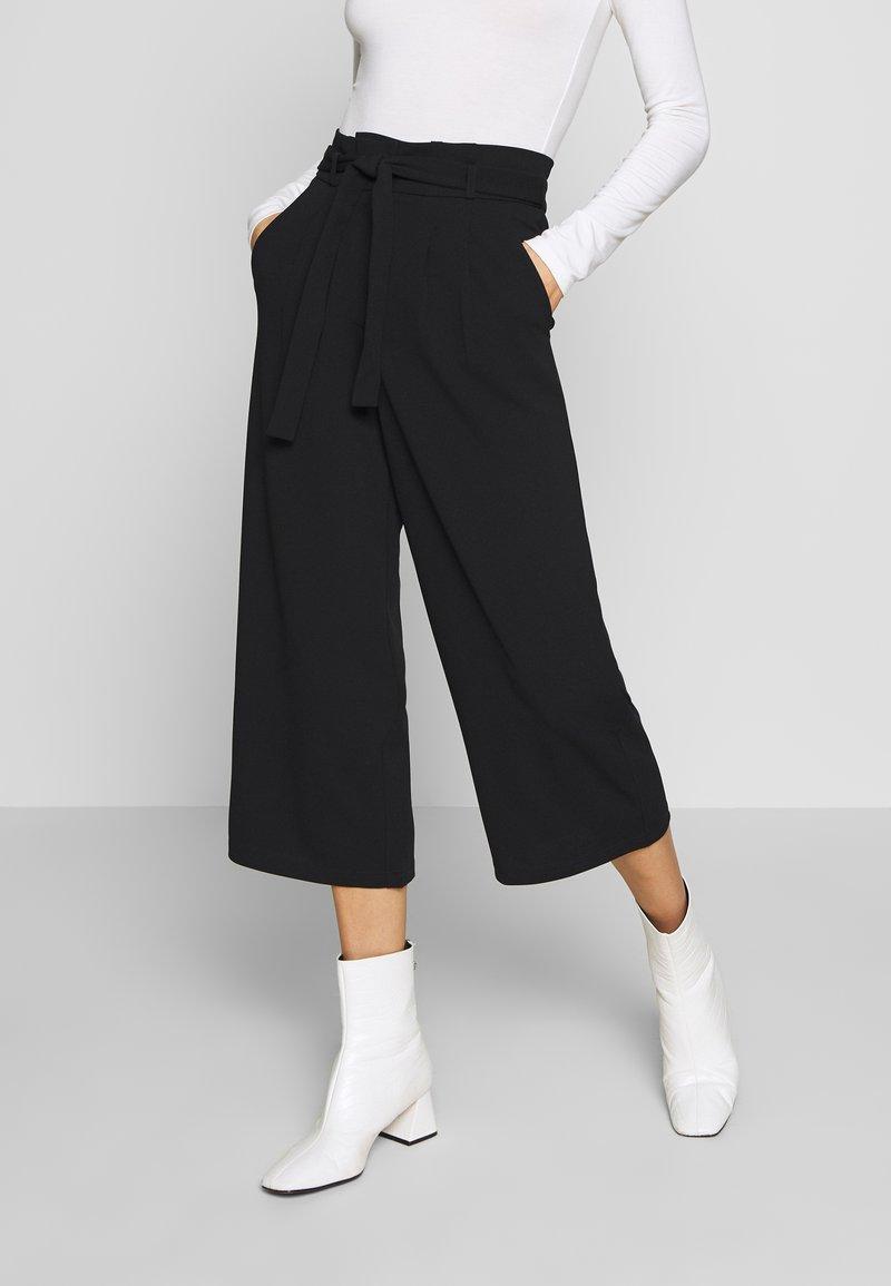 JDY - JDYTANJA CULOTTE ANKLE PANT - Trousers - black