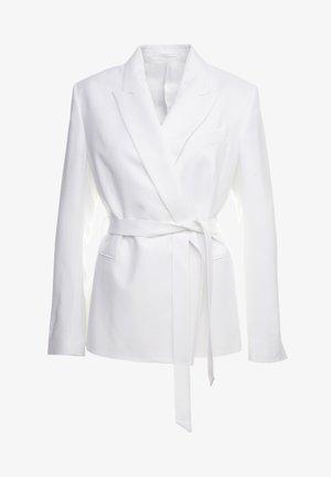 GRACE BELTED - Blazer - white