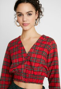 Missguided - SHEERED WAIST LONG SLEEVED CHECK - Blouse - red - 4
