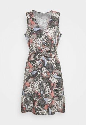 ONLGUSTA LIFE ABOVE KNEE DRESS - Denní šaty - ash rose
